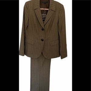 Lafayette 148 New York light weight Pant Suit